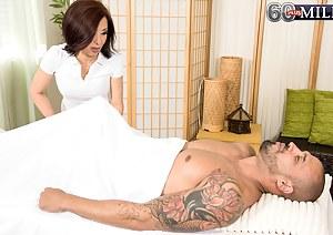 Free MILF Massage Porn Pictures