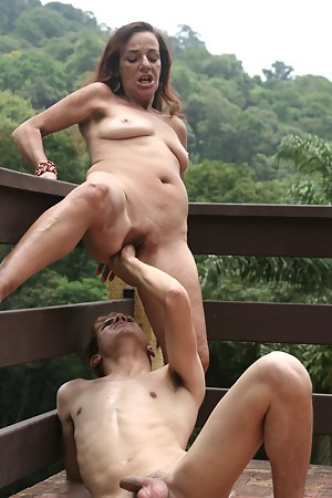 Free MILF Painful Porn Pictures