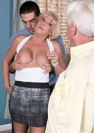 Free MILF Cuckold Porn Pictures
